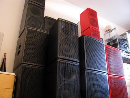 Große und kleine Lautsprecher für große und kleine Feiern